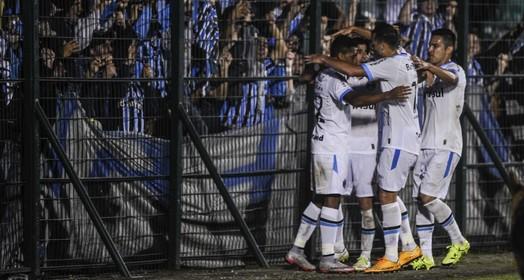 todos por um... (Eduardo Valente / Agência O Globo)