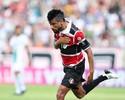 Acertado com o Grêmio, Léo Moura viaja na manhã de terça a Porto Alegre