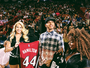 Hamilton prestigia jogo da NBA e ganha camisa personalizada do Heat