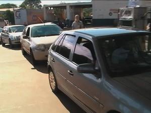 Protesto caminhoneiros postos de gasolina Rio Grande do Sul (Foto: Reprodução/RBS TV)