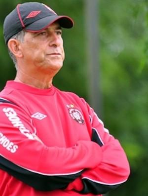 Ricardo Drubscky, técnico do Atlético-PR, no CT (Foto: Divulgação/Site oficial do Atlético-PR)