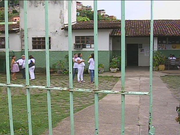Posto de Saúde do bairro Esperança I foi arrombado 5 vezes somente este ano (Foto: Reprodução / Inter TV dos Vales)