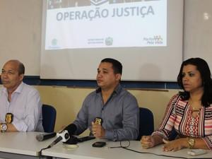 Os delegados Marceone Ferreita, Magno Neves e Sara Machado participaram da coletiva (Foto: Taisa Alencar / G1)