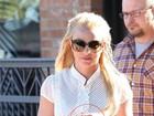 Recém-separada, Britney Spears substitui aliança por anel