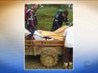 Em meio à lama, veículo agrícola 'vira' ambulância e resgata idoso em SC