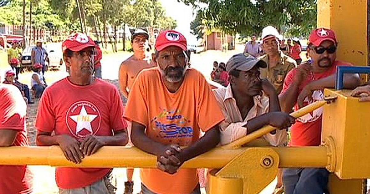 FNL invade usinas no Oeste Paulista e pede 'atenção das ... - Globo.com