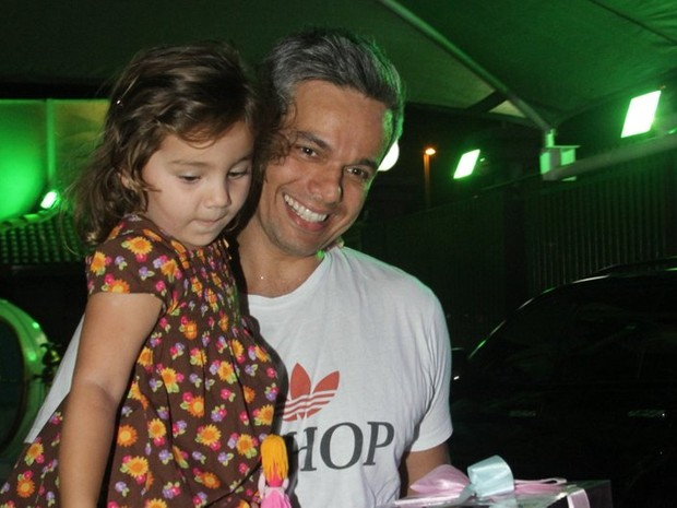 Otaviano Costa no aniversário das filhas de Giovanna Antonelli (Foto: Anderson Borde/AgNews)