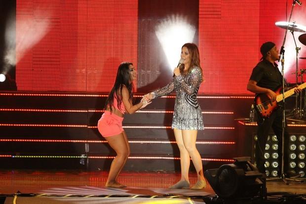 Amanda Djehdian conheceu Ivete e dançou no palco com a cantora (Foto: Amandio Santos / Flash Glamour)