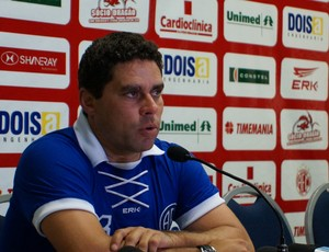 Leandro Sena, técnico do América-RN (Foto: Augusto Gomes)