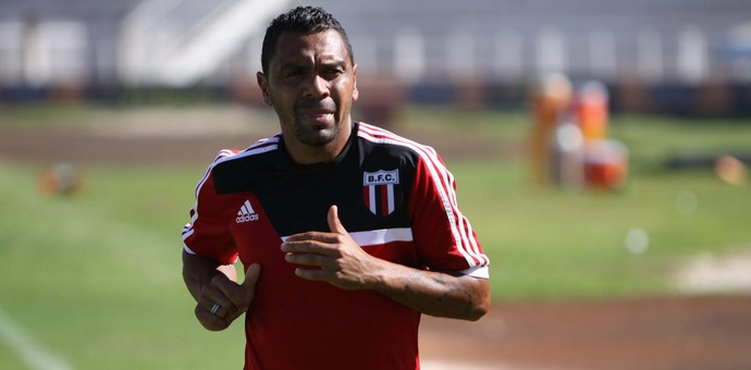 Leandro, atacante do Botafogo-SP (Foto: Rogério Moroti/Ag. Botafogo)