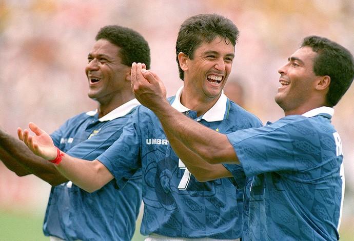 Bebeto, Mazinho e Romário comemoração Copa do Mundo 1994 (Foto: Getty Images)