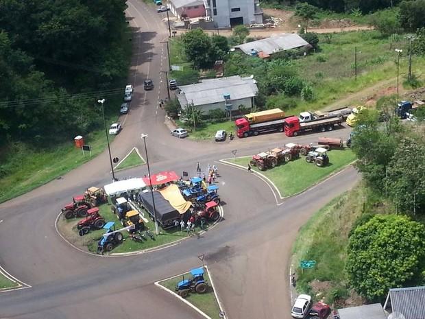 Caminhoneiros sc (Foto: PRF/Divulgação)