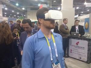 Feito por brasileiros, os óculos de realidade aumentada Bee Noculus foram  apresentados na CES 2015 82ed08956f