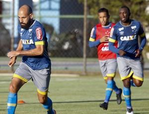 Willian, Bruno Rodrigo, Manoel e Lucas Romero em treino do Cruzeiro (Foto: Washington Alves / Light Press)