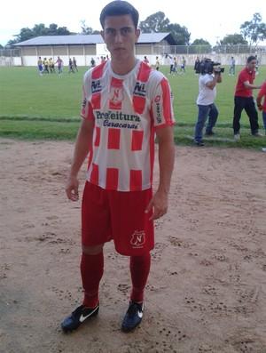 Vicente Thomás vai jogar pela segunda vez no Oriente Médio (Foto: Bruno Willemon)