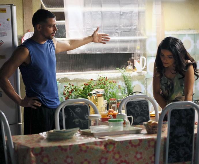 A discussão pega fogo entre Juliano e Tóia (Foto: Isabella Pinheiro/Gshow)