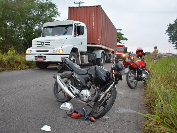 Segundo polícia, passageiros da motocicleta apresentavam indícios de embriaguez (Foto: Walter Paparazzo/G1)