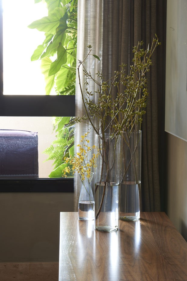Apartamento com living integrado para receber os amigos (Foto: Jomar Braganca                  )