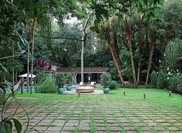 pedra miracema jardim:Jardim que parece mata preservada – Casa e Jardim