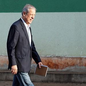 MEMÓRIAS DA PAPUDA José Dirceu ainda sonha ser absolvido do mensalão e quer relatar em livro seu tempo na cadeia (Foto: Dida Sampaio/Estadão Conteúdo)
