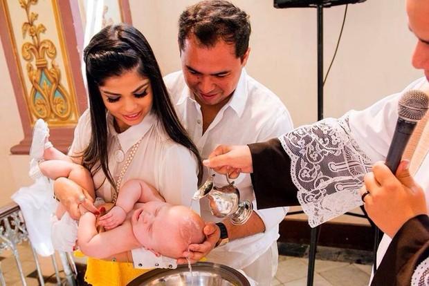 Solange Almeida no batizado da filha (Foto: Gabriel Castilho / Divulgação)