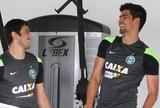 Central do Mercado: Cruzeiro entra na briga com Santos por Leandro Almeida