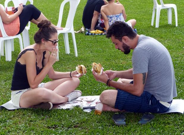 As opções eram para todos os gostos: dos amantes de um bom hambúrguer aos vegetarianos (Foto: Tk Santos/ RPC)