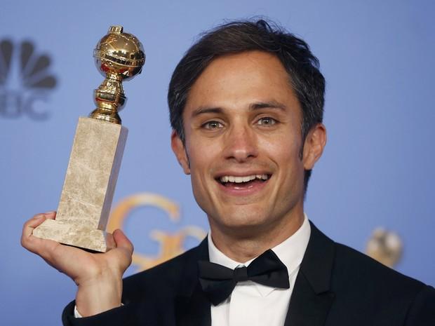 Gael García Bernal ganha o Globo de Ouro de melhor ator de série de comédia ou musical (Foto: REUTERS/Lucy Nicholson)