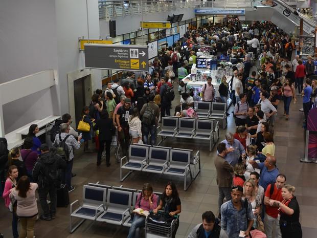 Operação padrão causa filas desde sábado (7) no aeroporto de Florianópolis (Foto: Eduardo Neuhaus/Divulgação)
