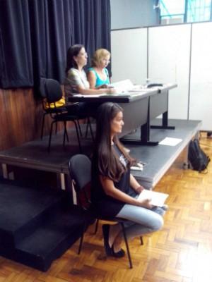 Professores avaliam as apresentações (Foto: Carlos Alberto Soares / TV TEM)