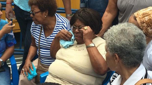 Tia Surita no velório de Marcos Falcon, presidente da Portela (Foto: Rafael Godinho/EGO)