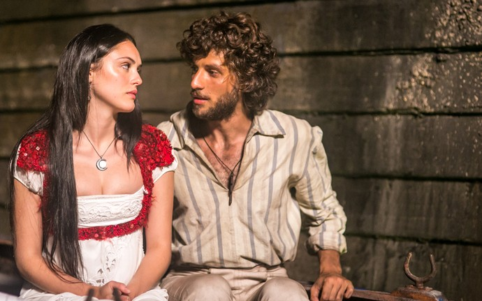 Em cena: Isabelle Drummond e Chay Suede são Anna e Joaquim (Foto: Globo/ Paulo Belote)