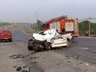 Motorista de carro morre após bater de frente com ônibus na EPTG, no DF