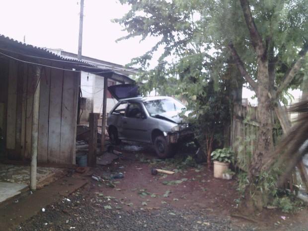 Carro foi apreendido pela Polícia Militar (Foto: Eduardo Trindade Ramos)
