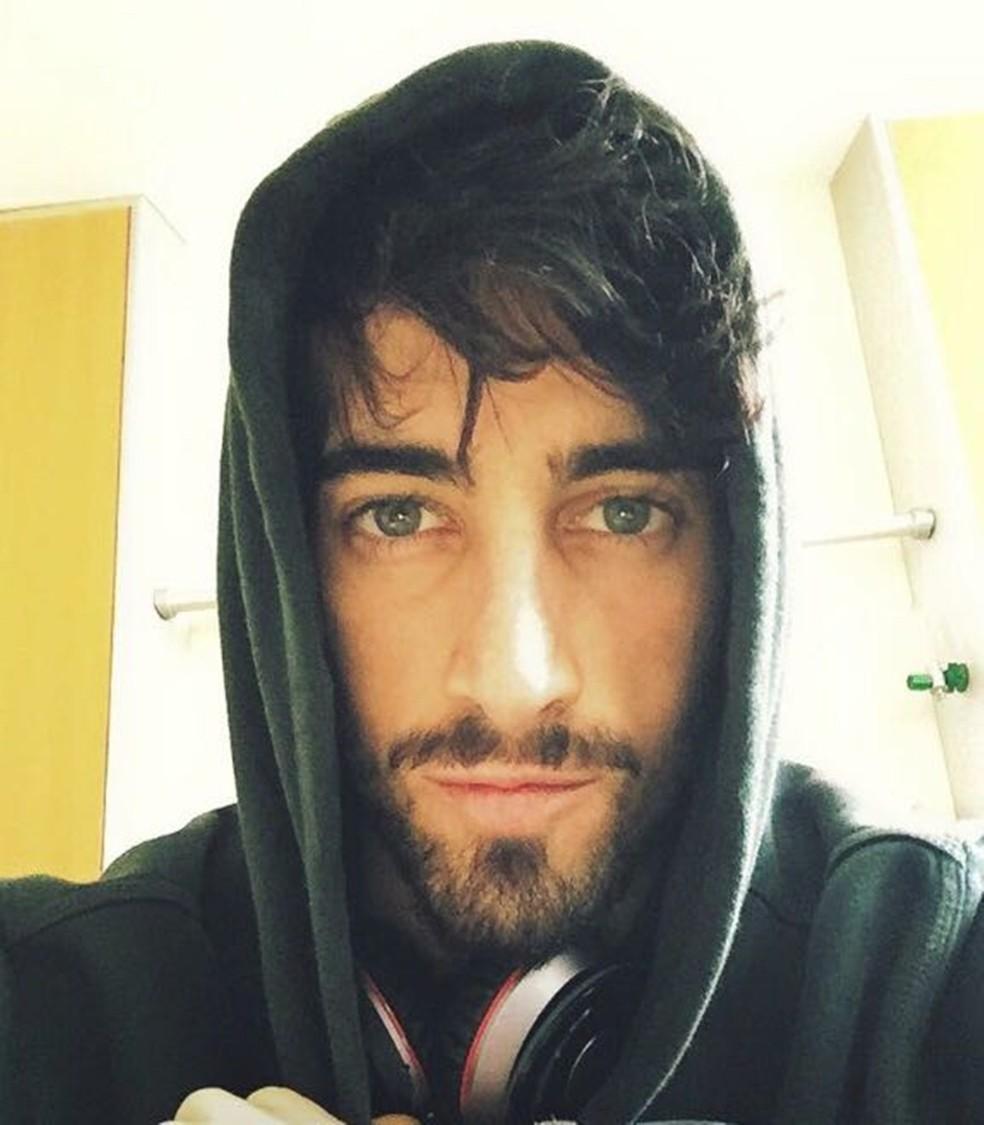 Júlio Campolim morreu aos 22 anos, em 2015, em decorrência da leucemia (Foto: Arquivo Pessoal/ Angélica Campolim)
