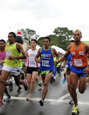 corrida de rua, Manaus (Foto: Antônio Lima/Semdej)