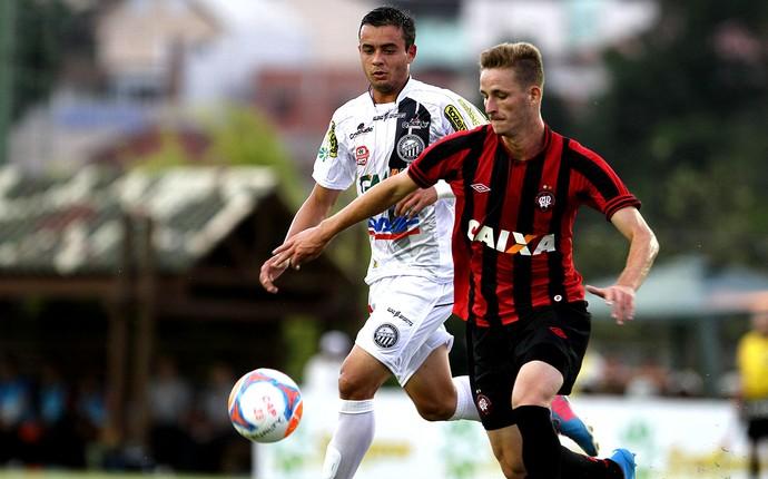 Léo Pereira Atlético-pr e Operário-PR (Foto: Geraldo Bubniak / Agência Estado)