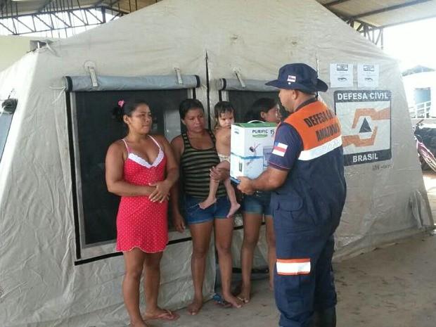 Barracas servem de moradia para pessoas afetadas pela cheia no interior (Foto: Divulgação/Defesa Civil)
