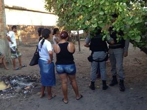 Adolescente foi assassinada dentro de casa no bairro Colinas do Sul (Foto: Walter Paparazzo/G1)