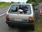 Peça de caminhão solta, atinge carro e mata passageiro no interior do Paraná