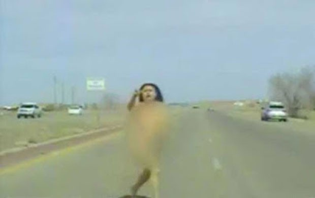Motorista que fugia nua disse que estava muito quente para pôr roupa (Foto: MSNBC)
