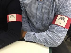 Alunos fizeram 'novo símbolo' para identificar defesa. (Foto: Jenifer Carpani/G1)