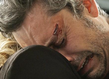 Romero sofre, e Atena pergunta se foi ele quem atirou em Djanira