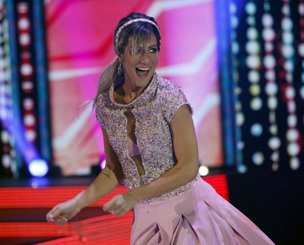 A alegria da atriz contagiou a galera (Foto: Raphael Dias / TV Globo)