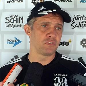 Eduardo Baptista técnico Ponte Preta (Foto: Rodrigo Ceregatti / PontePress)