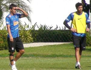 Henrique no treino do Santos (Foto: Marcelo Hazan / Globoesporte.com)