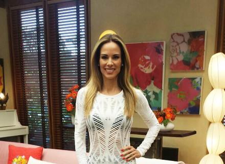 Ana Furtado usa roupa de malhar confortável para apresentar o 'É de Casa'