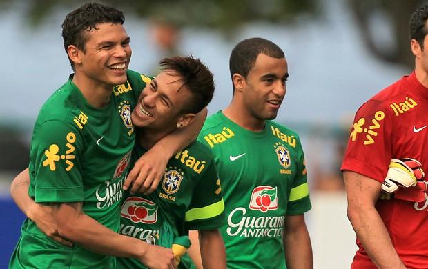 Neymar Thiago Silva Brasil (Foto: EFE)