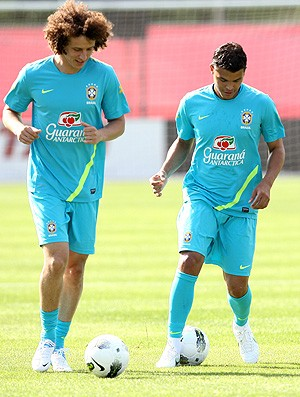 Thiago Silva e David Luiz, Sele&#231;&#227;o Brasileira (Foto: Mowa Press)