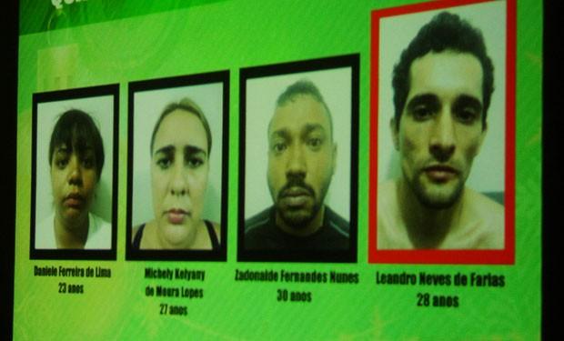 Nomes e fotos dos suspeitos presos foram apresentados pela Polícia Civil (Foto: Rafael Barbosa/G1)
